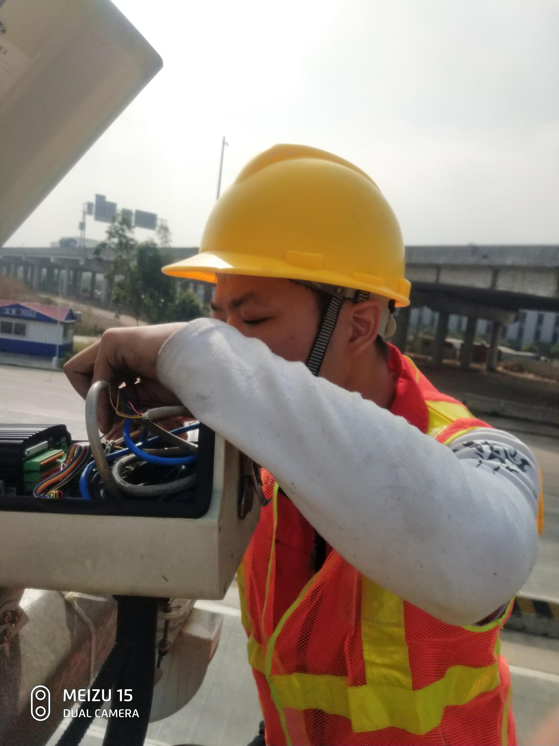 光缆布线 强电布线 熔接光纤、单次溶接、光纤抢修