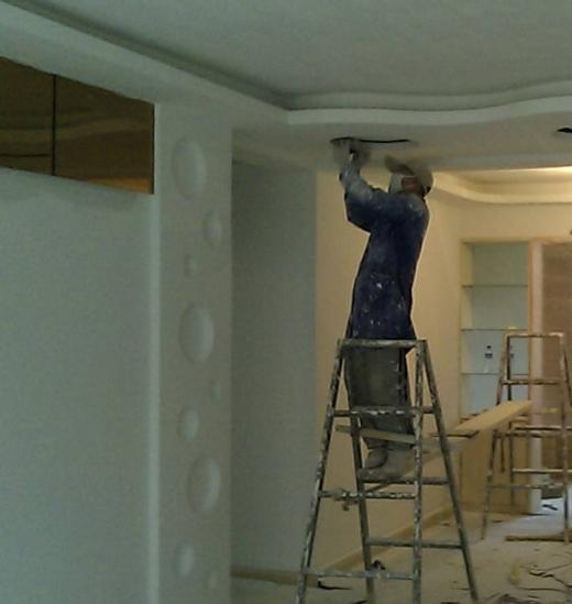 大连批灰刷墙-大连刷乳胶漆-大连贴壁纸