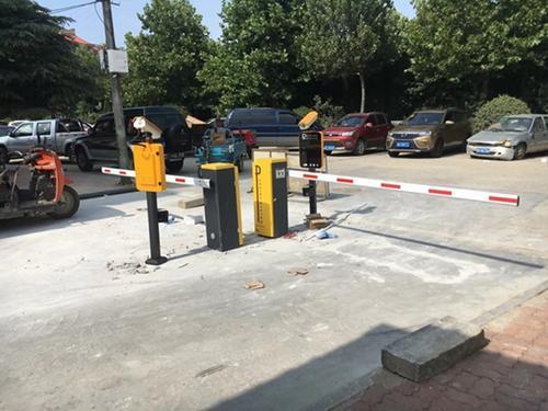 本公司的停车场车牌识别系统特点介绍