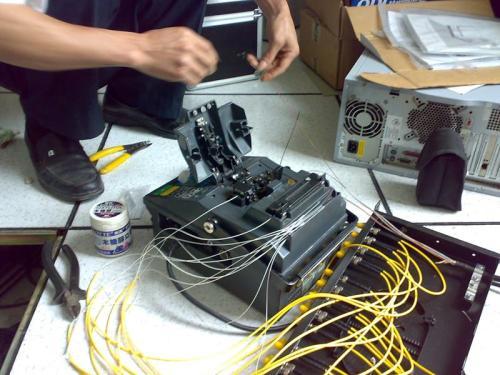 光纤熔接就找中新安防公司