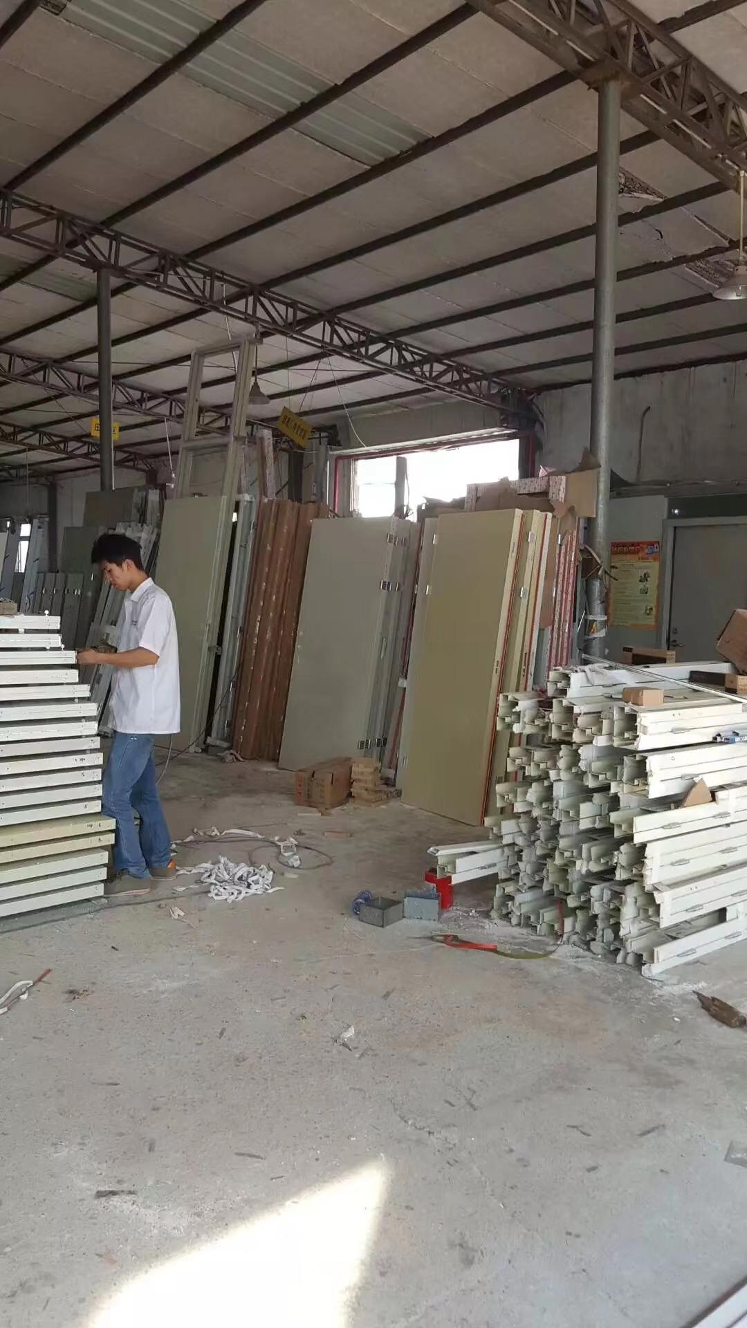 深圳钢质防火门安装工作十分重要