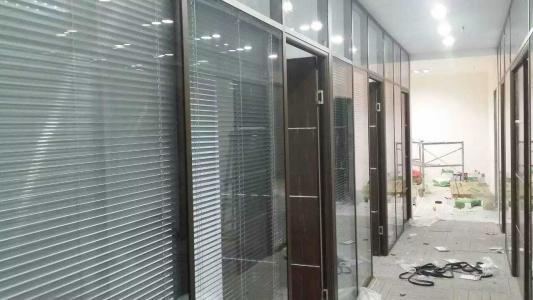 办公室玻璃高隔断安装的四大注意事项