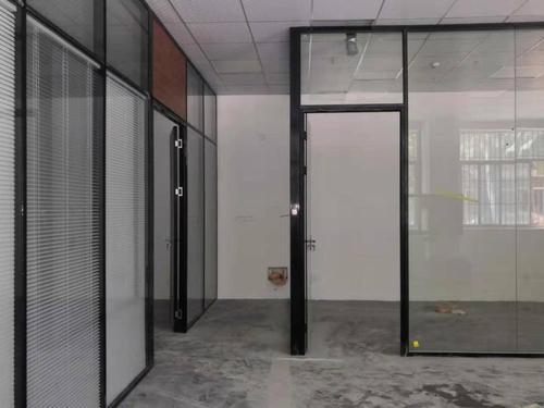 办公室采用玻璃高隔断的三大优势