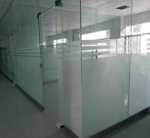 办公玻璃高隔断面板的选择标准有哪些