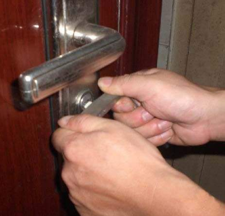 鹿城区专业开修各种防盗门保险箱保险柜锁
