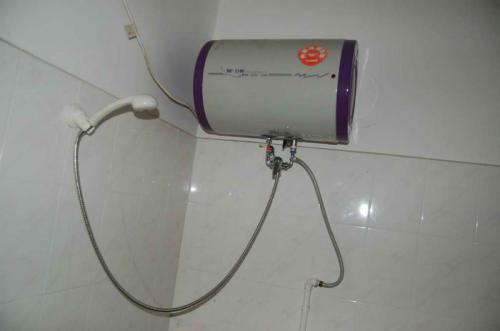 热水器维修 漏电保护电源线跳闸且无法复位