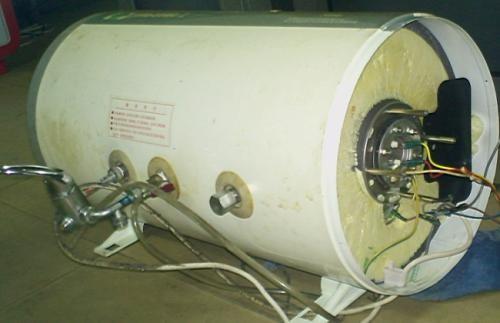 漏电保护电源线指示灯有亮,热水器电源指示灯不亮,无热水