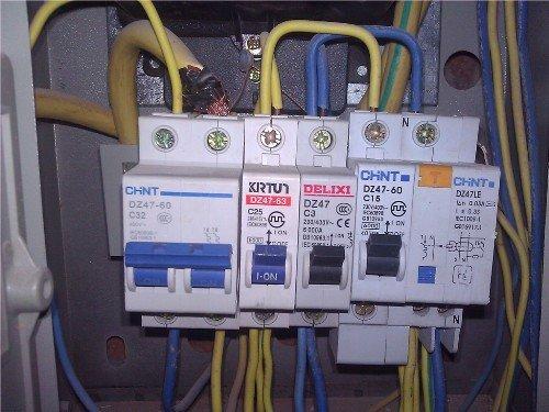 南阳电路跳闸维修告诉你电路跳闸的原因