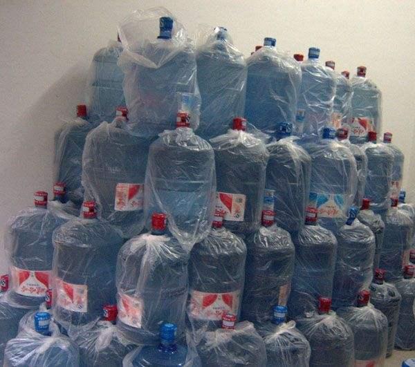 桶装水开封以后放置一周后有毒不要饮用
