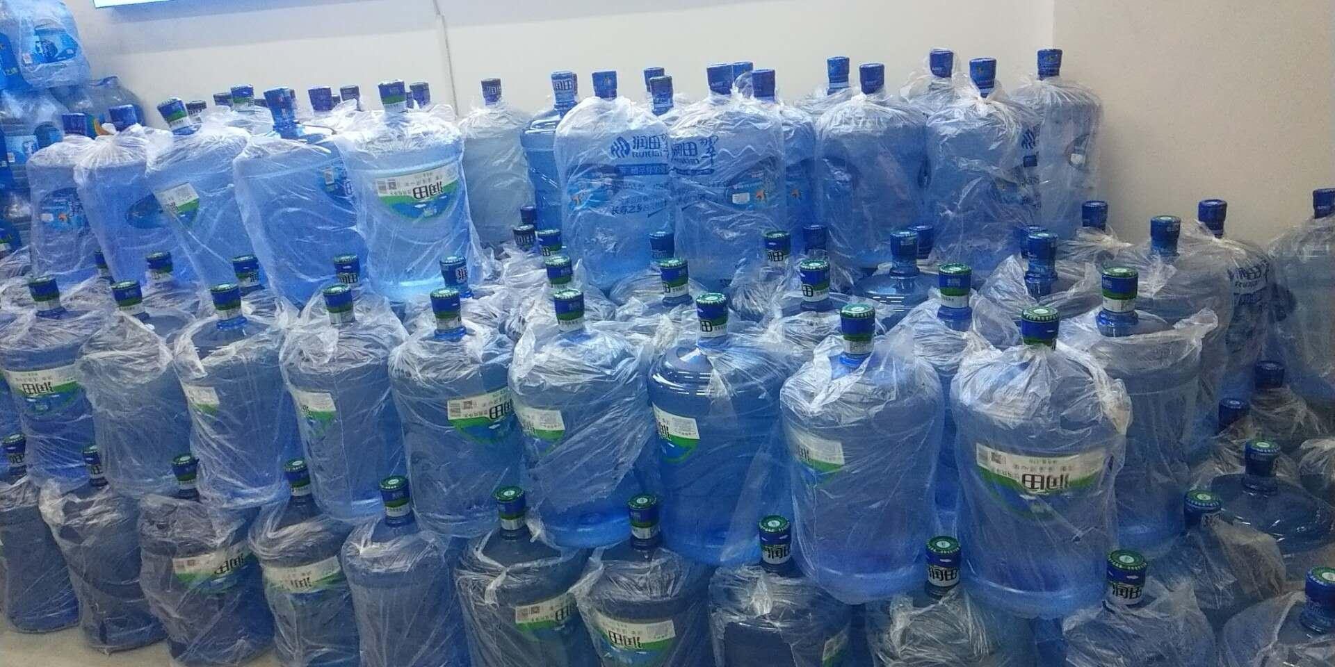 市场上常见的桶装水类型