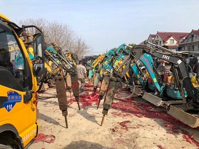 上海微型挖掘机出租_减少噪音的方法
