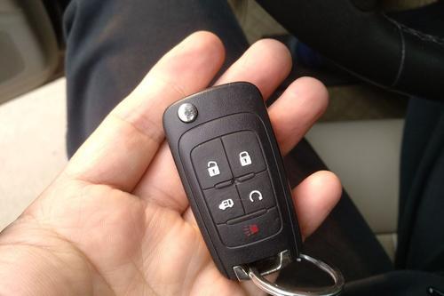 汽车遥控钥匙在没电之前有什么反应