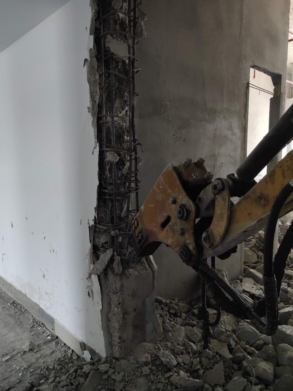 拆除施工人员管理很重要