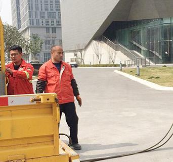萍乡凤凰街友爱巷附近有管道疏通公司吗?
