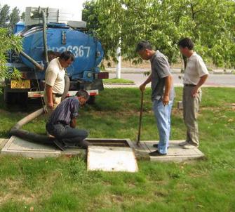 清理化粪池的作业流程