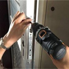 吴川换锁防盗门锁的方法和注意