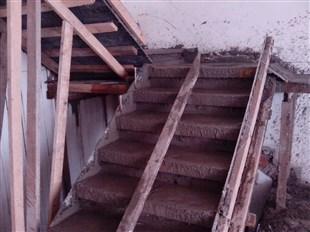 浇筑阁楼搭建的材料选择