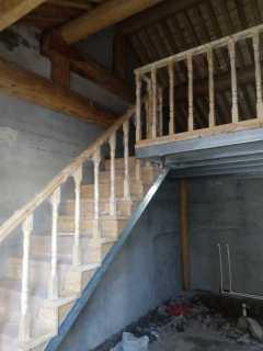 天津钢木楼梯制作安装方法