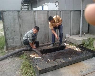 化粪池清理前的防范工作