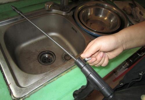 冬天厨房下水道堵塞
