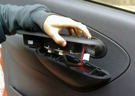 车门打不开的原因以及解决方法