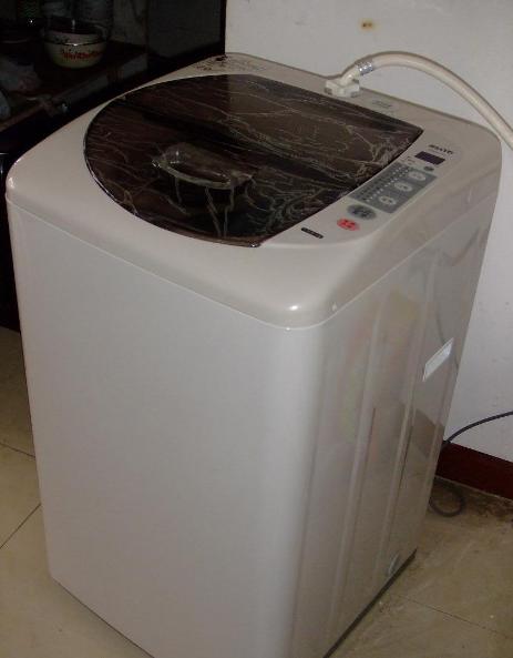 洗衣机脱水时撞桶是怎么回事?芦淞家电维修上门费多少?
