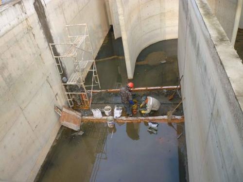 污水池伸缩缝漏水堵漏怎么处理