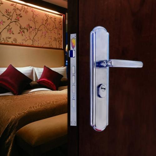 安装指纹锁对门的要求