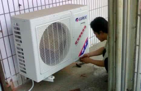 格力空调内机滴水的原因