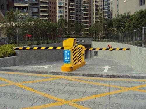道闸闸杆到位不停的原因是什么