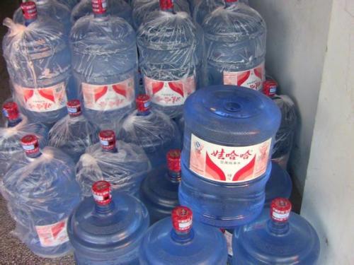购买桶装水的时候要选择PC桶