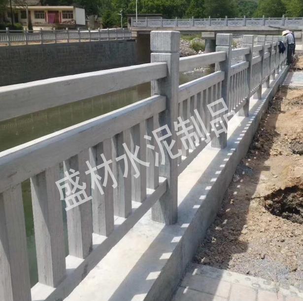如何选择仿木栏杆生产厂家