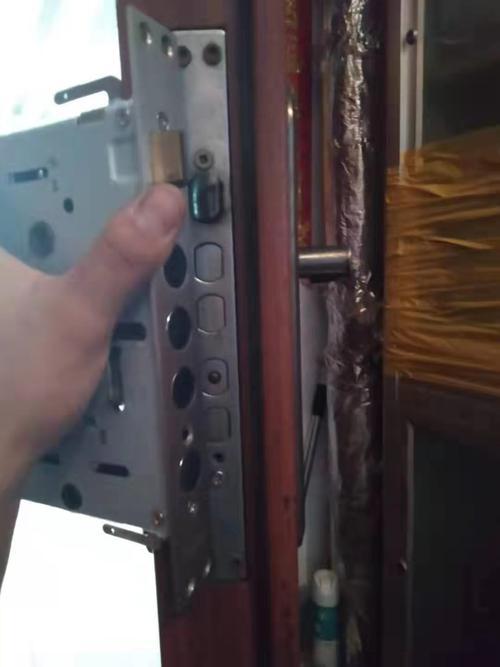 门锁A、B两种钥匙的区别在哪里