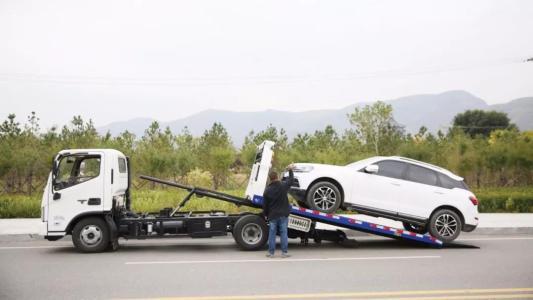 道路救援车辆加速车身抖动怎么办