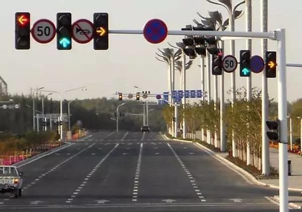 道路标牌的作用
