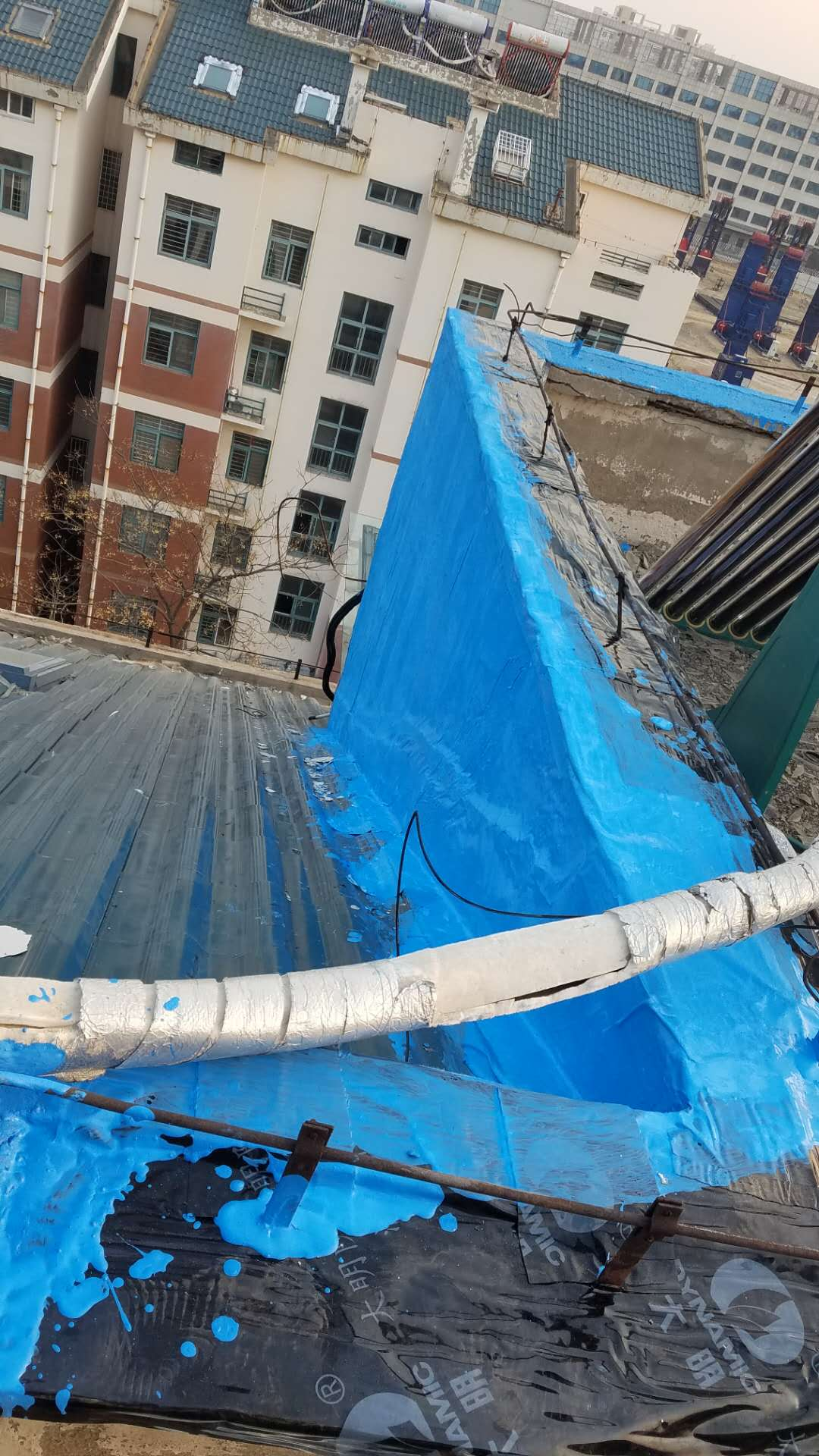 防水工程如何处理屋面天沟檐口等问题