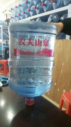 选择天天桶装水水配送部的五个理由