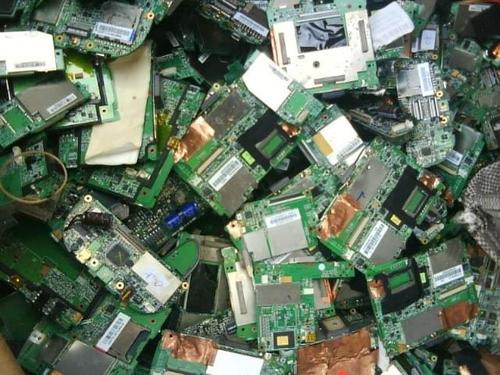 回收废旧电子设备保护环境