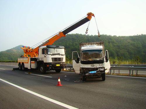 黔东南事故拖车