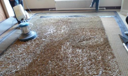地毯清洗的程序
