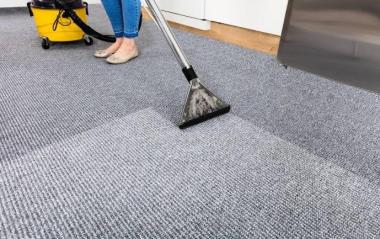 地毯特殊污渍清洗