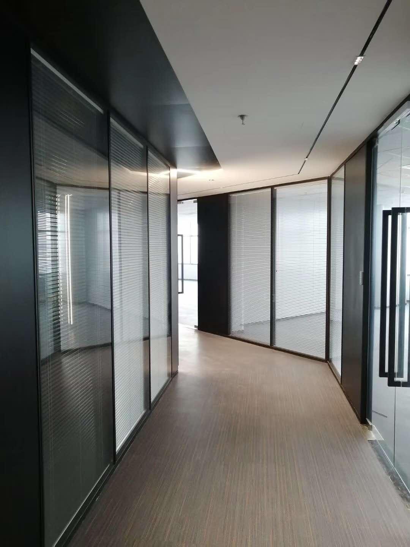 半开放式办公区间玻璃隔断怎么样