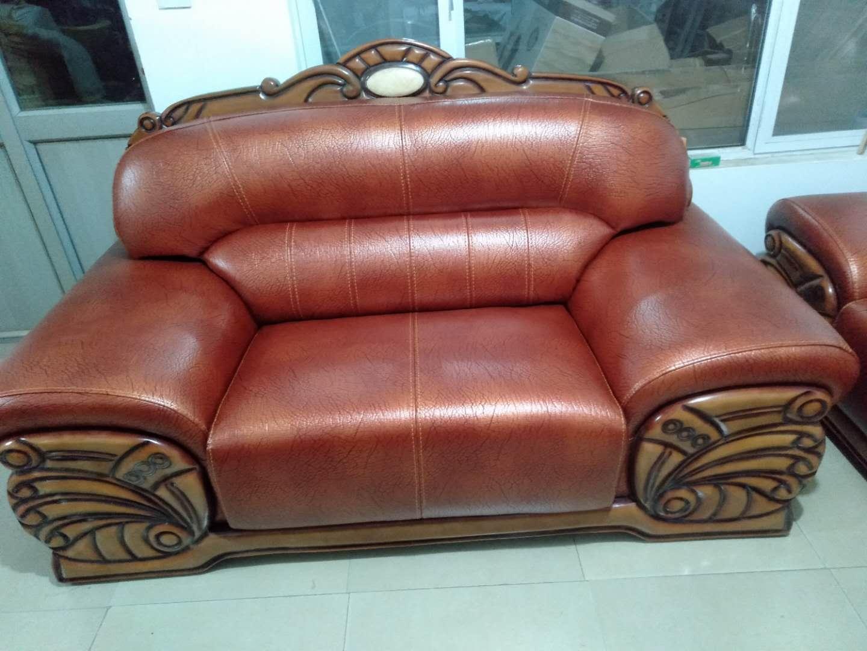 沙发维修换皮时的材料选择问题