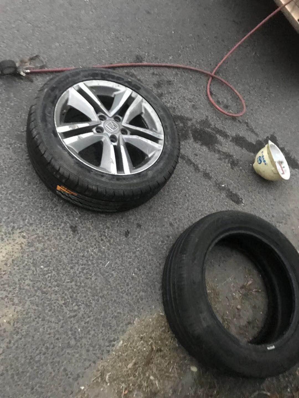 怎样判断救援的汽车电瓶是否需要更换