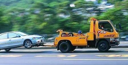 拖车救援服务适合哪些车主