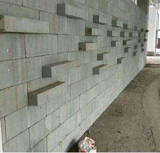 昆明轻质砖隔墙施工时如何保证质量呢?