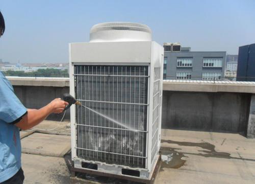 空调清洗要拔电源插座
