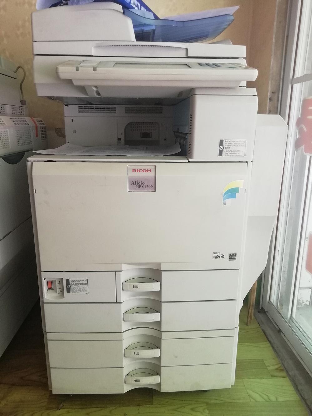 复印机要找专业的维修人员