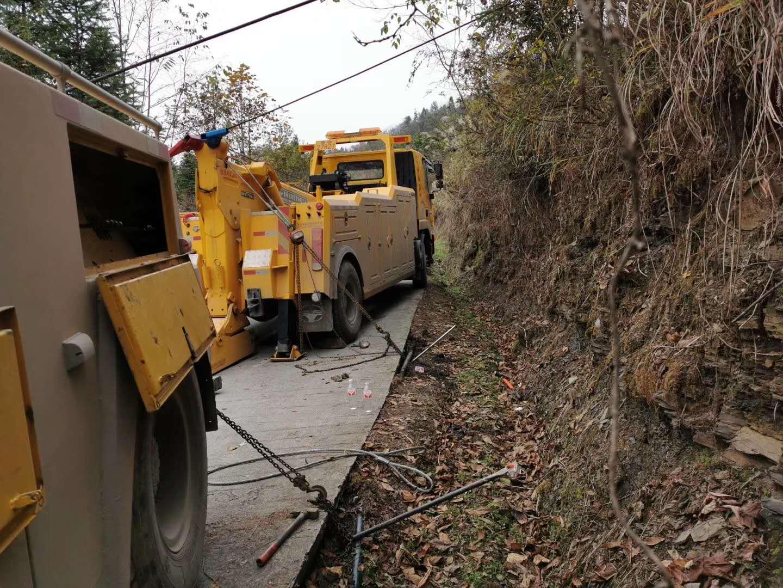 利川运输货车搭电换胎,困境救援,异地运送