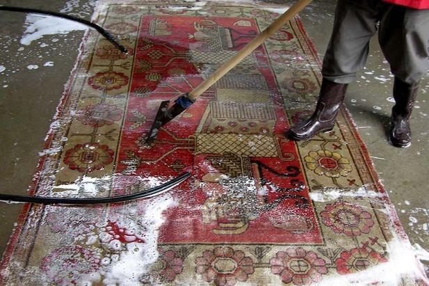 平时地毯需要定期清洗